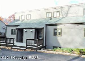 107 Cross Country Ln, Tannersville, PA 18372