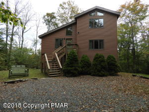 150 Mountainside Dr, Gouldsboro, PA 18424