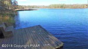 142 Cottontail Ln, Pocono Lake, PA 18347