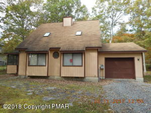 100 Brandyshire Drive, Bushkill, PA 18324
