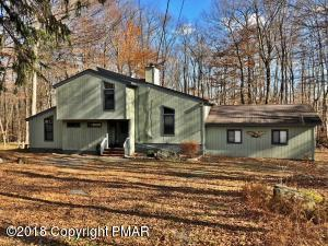 130 Big Bass Dr, Gouldsboro, PA 18424