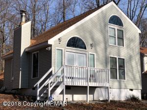 324 Whipporwil Drive, Bushkill, PA 18324