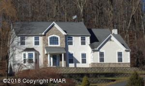 3510 Red Tail Ct, East Stroudsburg, PA 18301