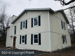 28 Summit Dr, Mount Pocono, PA 18344