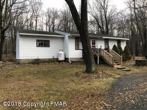 5115 Pine Tree Ln, Pocono Summit, PA 18346