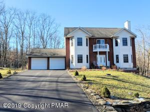 137 Blueridge Ln, Lords Valley, PA 18428