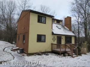 16 Milton Way, Albrightsville, PA 18210