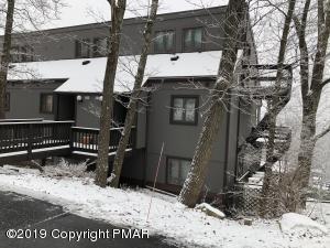 181 Upper Villlage Way, Tannersville, PA 18372