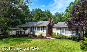159 Stillwater Dr, Pocono Summit, PA 18346