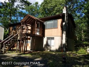 473 Whipporwill Dr, Bushkill, PA 18324