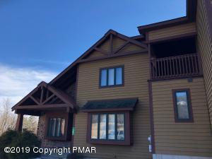 58 Woodsbluff Ct, Lake Harmony, PA 18624