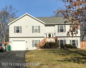 217 Clubhouse Dr, East Stroudsburg, PA 18302