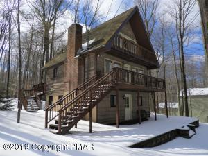 10 State Park Dr, Gouldsboro, PA 18424