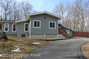 232 Traverse Rd, Dingmans Ferry, PA 18328