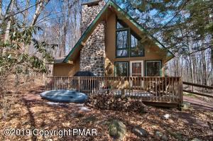 110 Winding Hill Rd, Pocono Pines, PA 18350