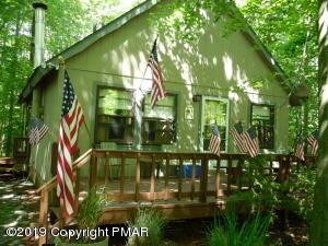 2094 Lehigh Dr, Pocono Lake, PA 18347