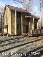 13 Locust Lane, Gouldsboro, PA 18424