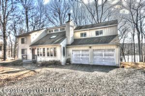 211 Brandyshire Dr, Tamiment, PA 18371