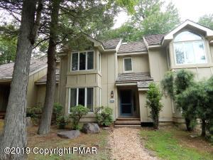846 Crest Pines Lane, Pocono Pines, PA 18350