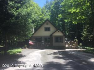 236 Wyomissing Dr, Pocono Lake, PA 18347