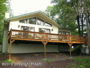 1435 Waterfront Dr, Tobyhanna, PA 18466