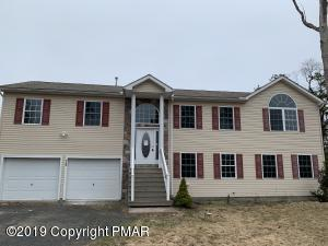 129 Country Ct, Long Pond, PA 18334