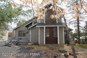 222 N Arrow Dr, Pocono Lake, PA 18347