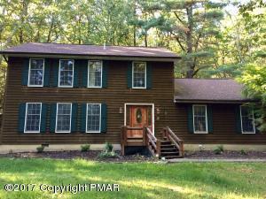 160 Cobble Creek Dr, Tannersville, PA 18372