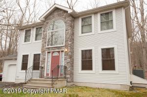 5607 Decker Rd, Bushkill, PA 18324