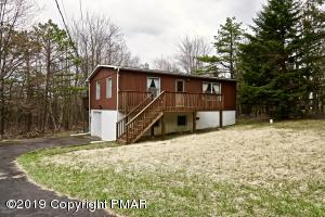 373 Clearview Dr, Long Pond, PA 18334
