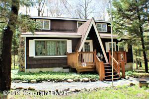 5207 Tatamy Dr, Pocono Lake, PA 18347