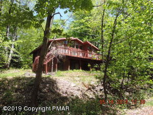 66 State Park Drive, Gouldsboro, PA 18424