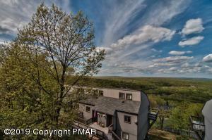251 High Pass Way, Tannersville, PA 18372