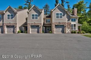 Luxury Townhome Close to Lake, Pool and Tennis