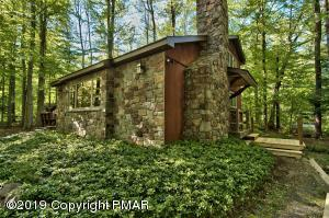 1545 Evergreen Rd, Pocono Pines, PA 18350