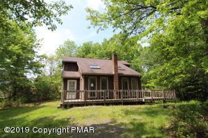 121 Overland Dr, Long Pond, PA 18334