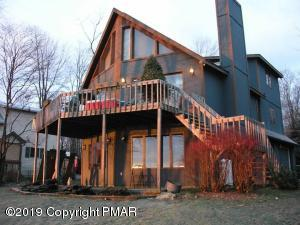 188 N Arrow Dr, Pocono Lake, PA 18347