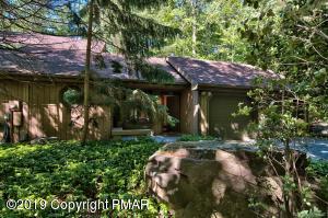3220 Tall Timber Lake Rd, Pocono Pines, PA 18350