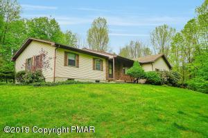 968 Greenview Dr, Stroudsburg, PA 18360