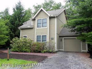 128 Laurel Ct, Tannersville, PA 18372