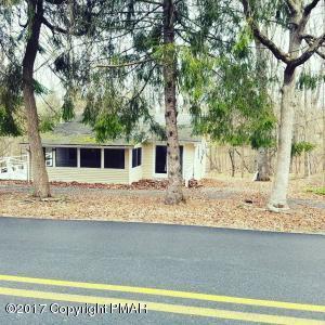 2121 Walnut Trail, Bushkill, PA 18324