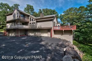 3226 MOUNTAIN VIEW DR, Tannersville, PA 18372