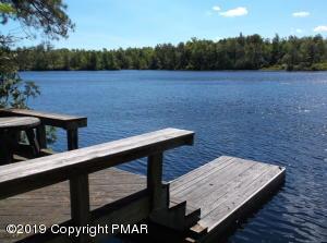 1107 W Emerald Lake Dr, Long Pond, PA 18334