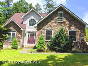 303 Ruger Ln, Tobyhanna, PA 18466