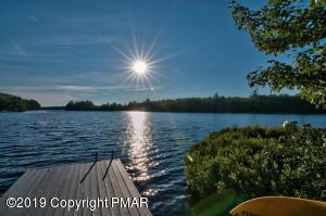 Lakefront Grandeur