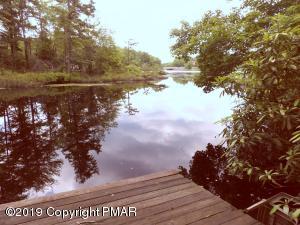 1206 Hunter Lane, Long Pond, PA 18334