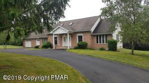 174 Regency Ln, Brodheadsville, PA 18322
