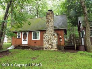 4 Deerfoot Ln, Albrightsville, PA 18210