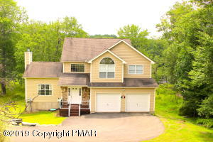 115 Brandyshire Dr, Tamiment, PA 18371