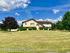 2774 Pleasant Valley Lane, Brodheadsville, PA 18322